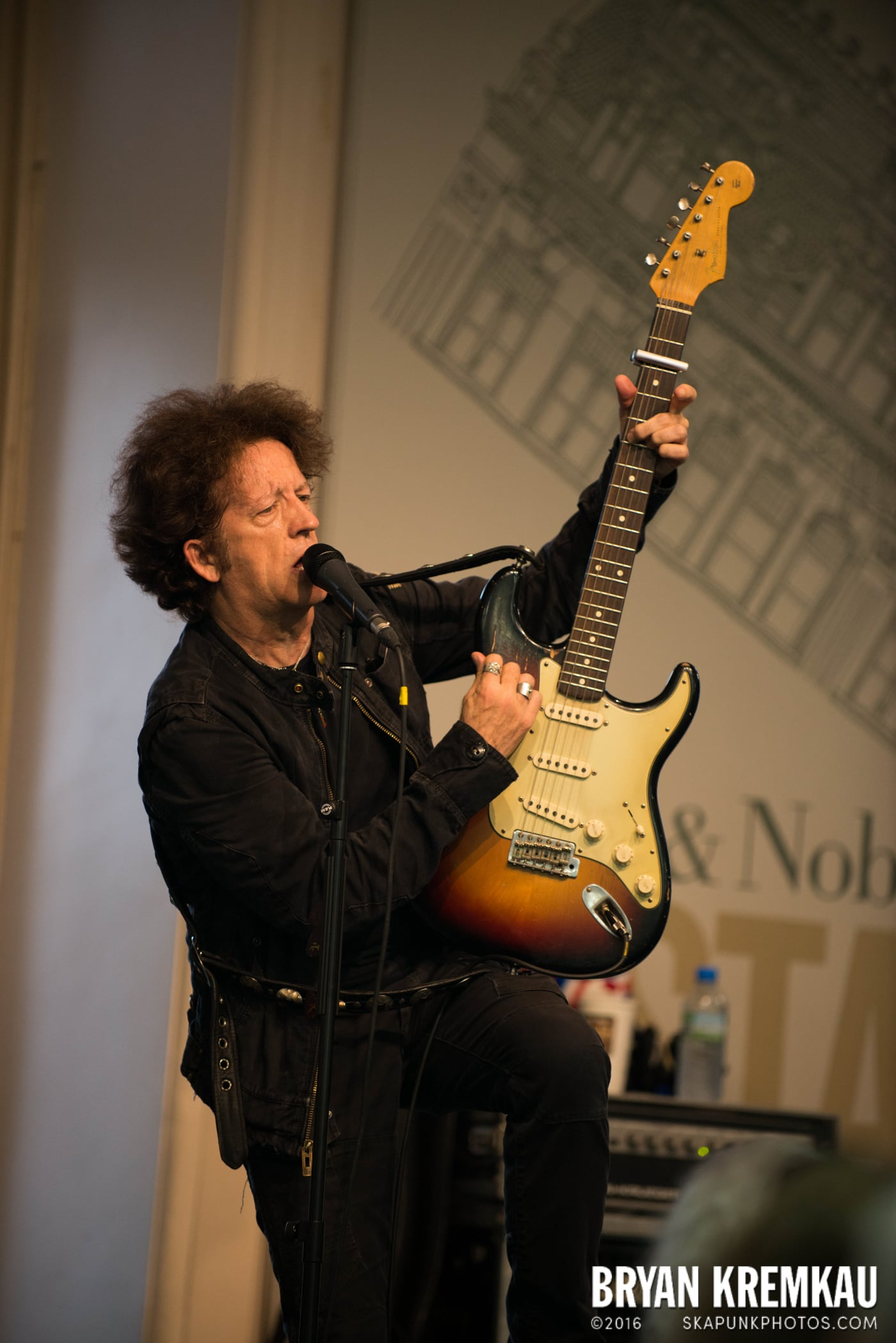 Willie Nile @ Barnes & Noble Union Square, NYC - June 25th 2013 (1)