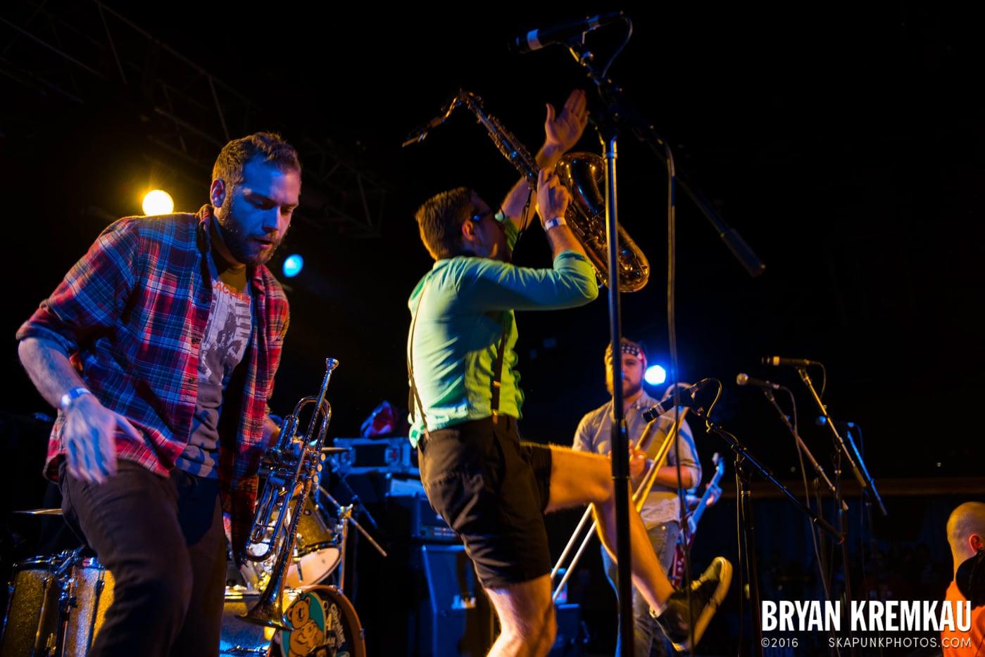 Backyard Superheroes @ Starland Ballroom, Sayreville, NJ - 11.9.13 (20)