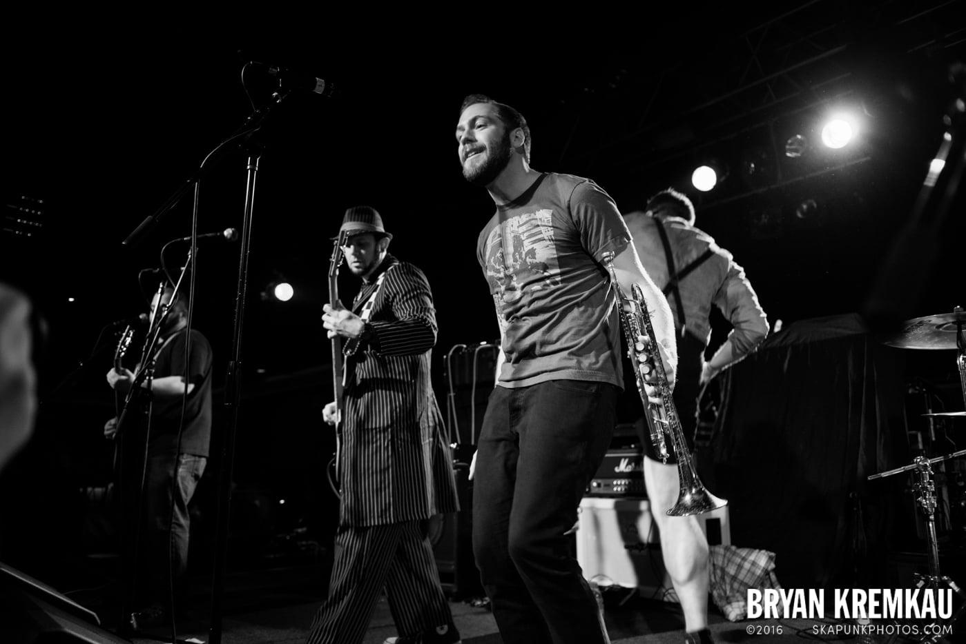 Backyard Superheroes @ Starland Ballroom, Sayreville, NJ - 11.9.13 (7)