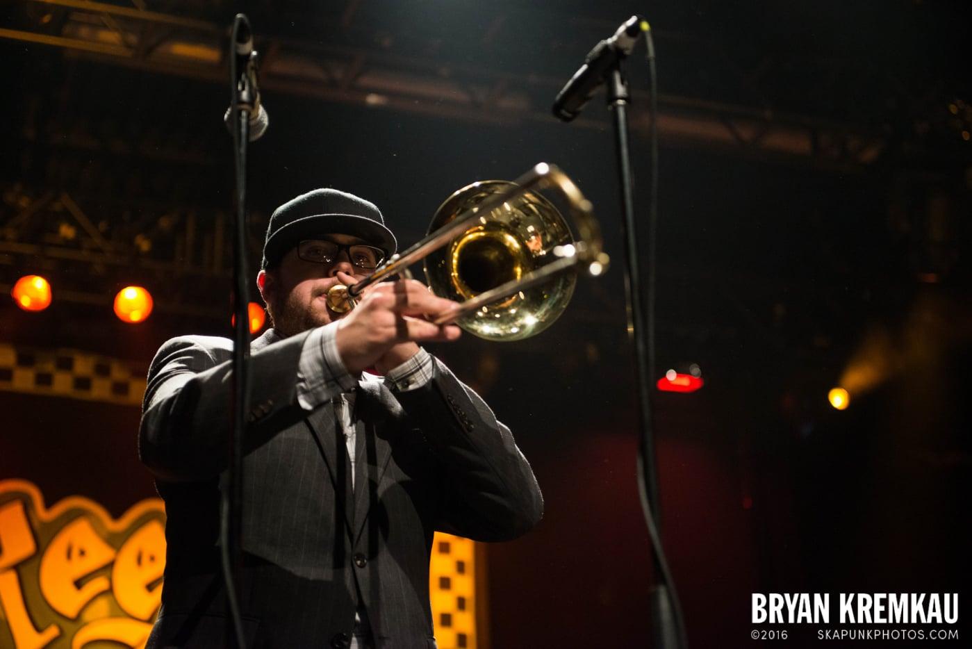 Reel Big Fish @ Best Buy Theater, NYC - 11.12.13 (15)