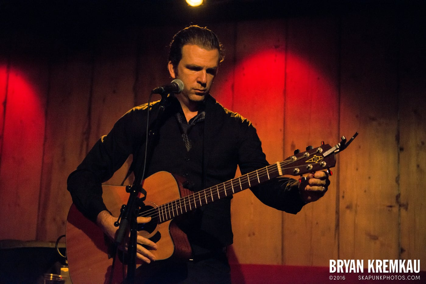 Chris Trapper @ Rockwood Music Hall, NYC - 12.7.13 (19)