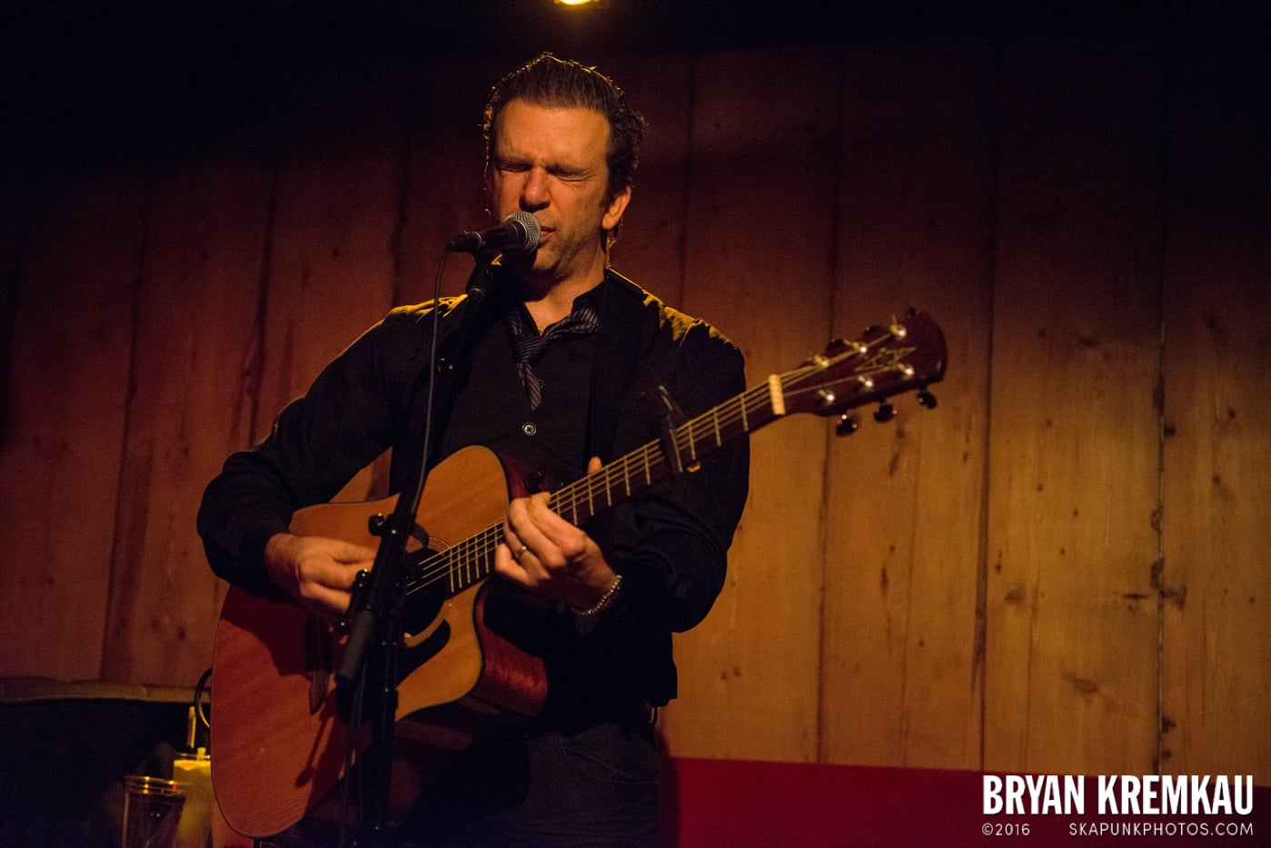 Chris Trapper @ Rockwood Music Hall, NYC - 12.7.13 (18)