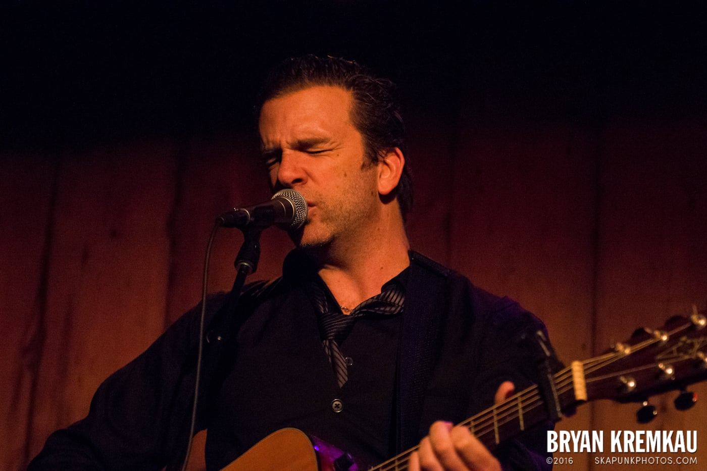 Chris Trapper @ Rockwood Music Hall, NYC - 12.7.13 (16)
