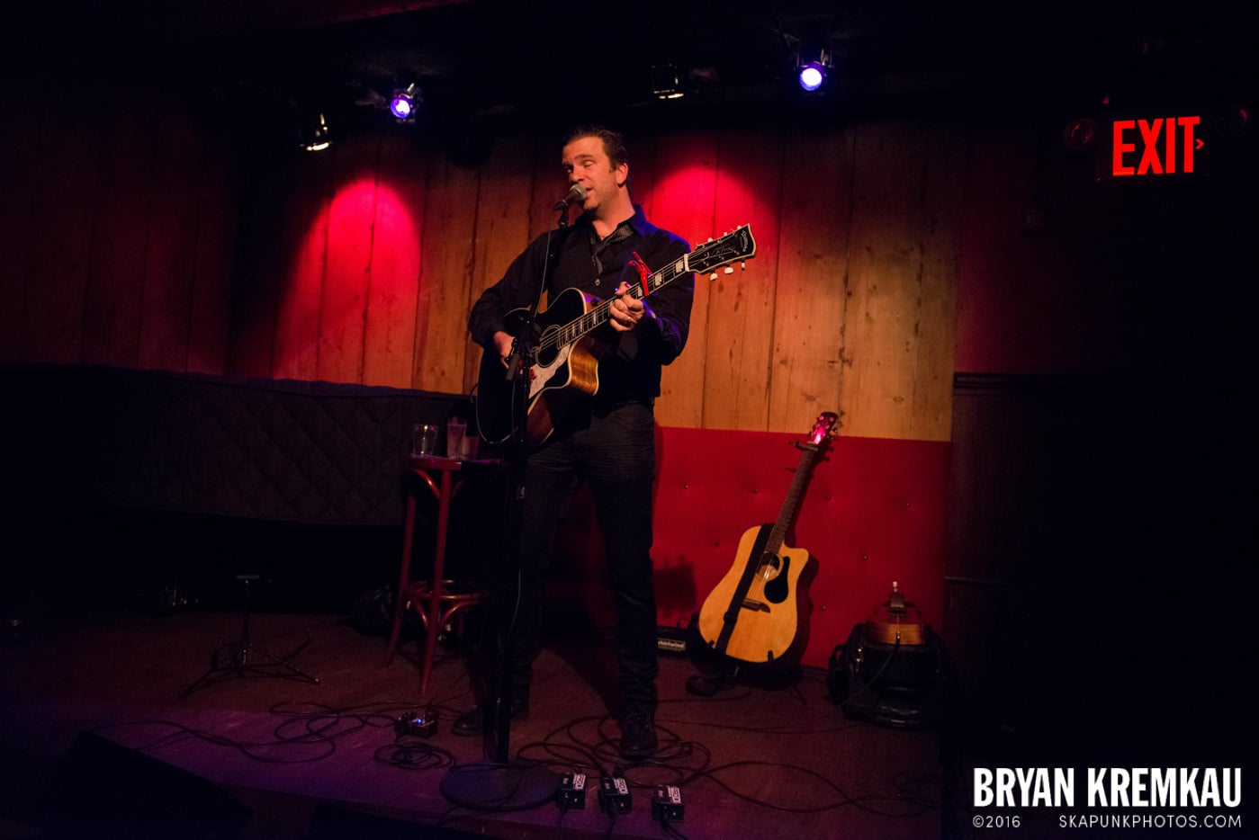 Chris Trapper @ Rockwood Music Hall, NYC - 12.7.13 (12)
