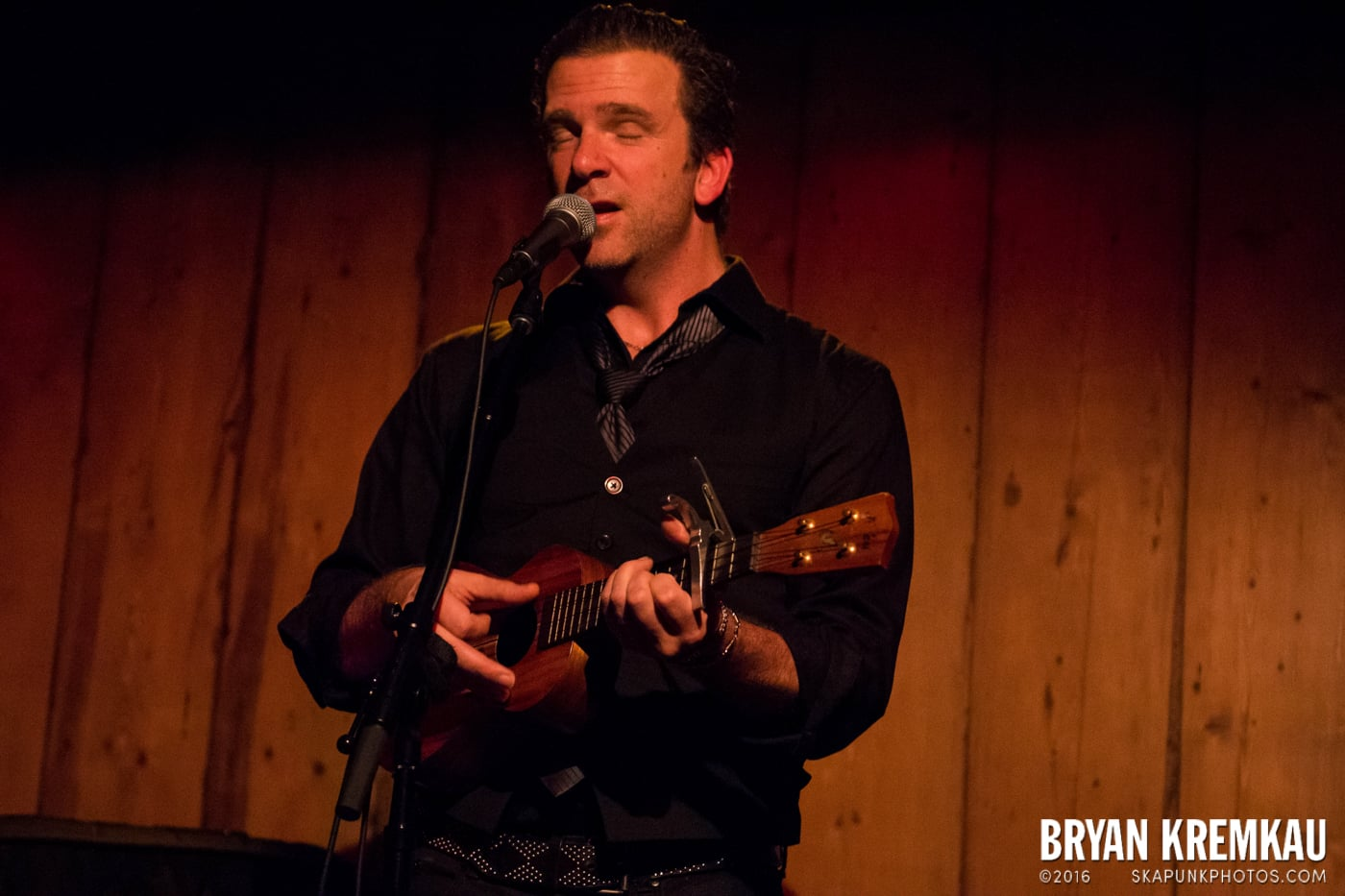 Chris Trapper @ Rockwood Music Hall, NYC - 12.7.13 (10)