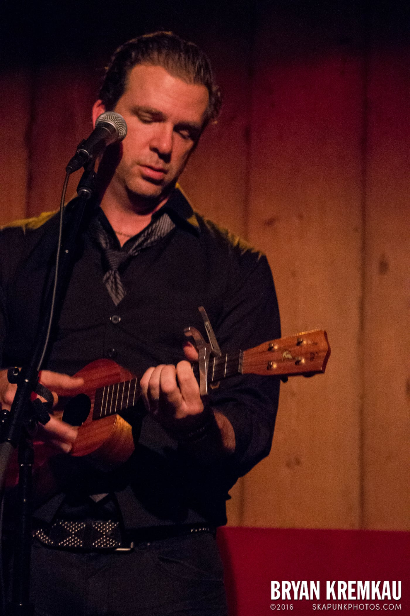 Chris Trapper @ Rockwood Music Hall, NYC - 12.7.13 (9)