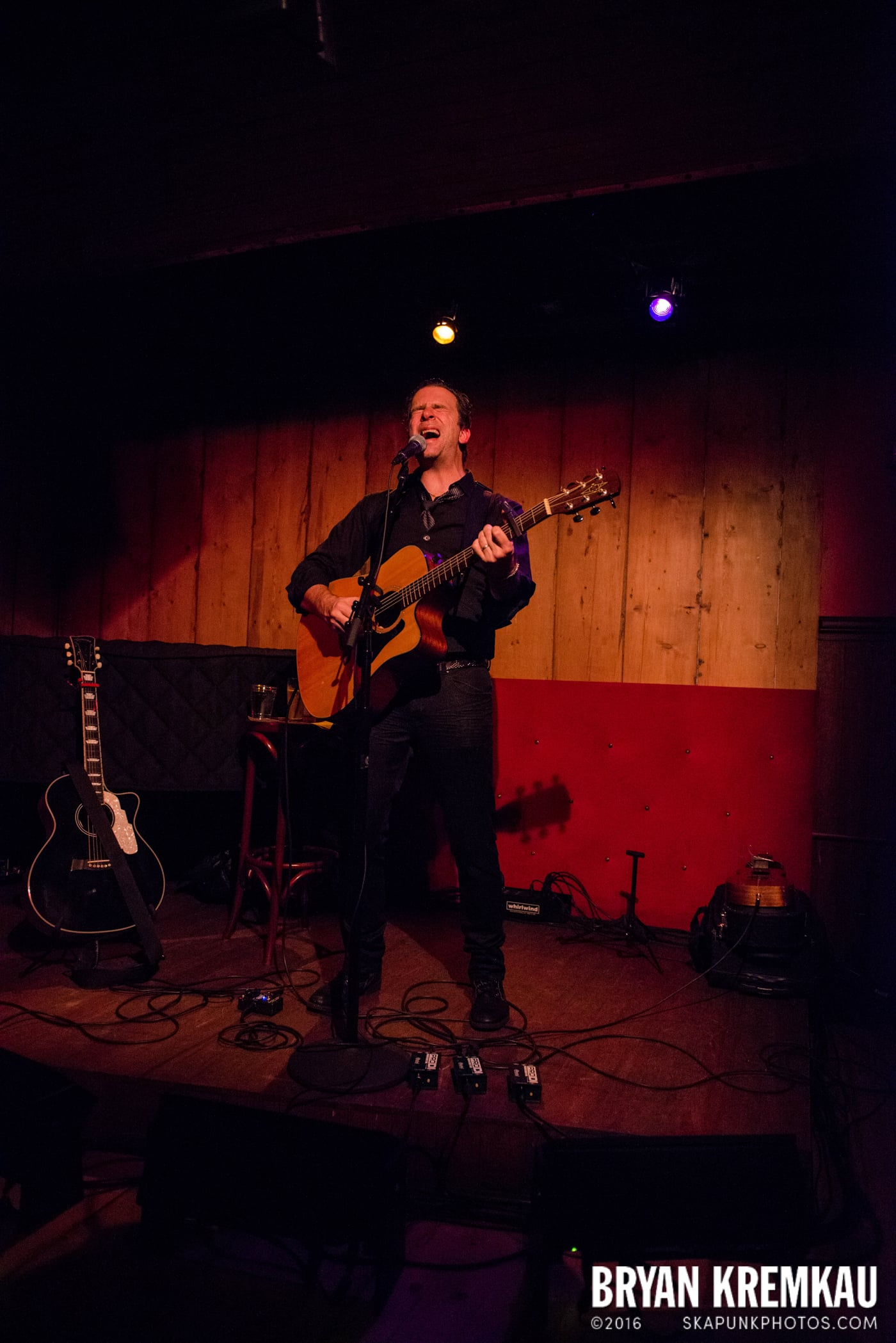 Chris Trapper @ Rockwood Music Hall, NYC - 12.7.13 (7)