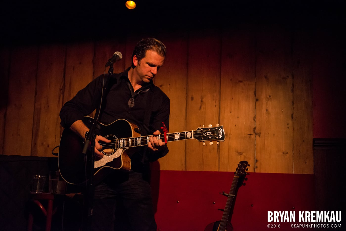Chris Trapper @ Rockwood Music Hall, NYC - 12.7.13 (4)