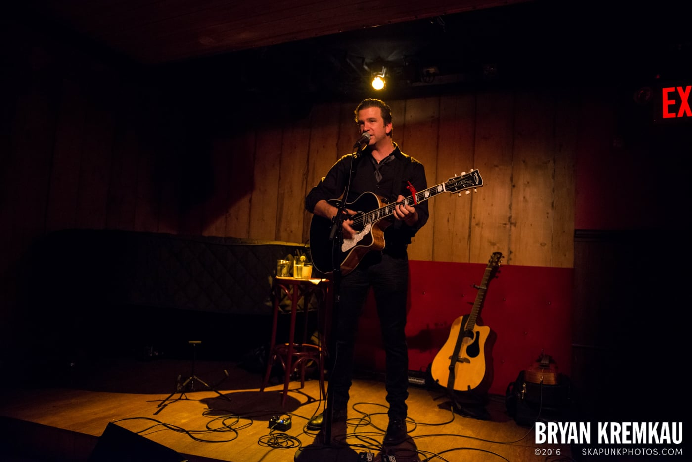 Chris Trapper @ Rockwood Music Hall, NYC - 12.7.13 (3)