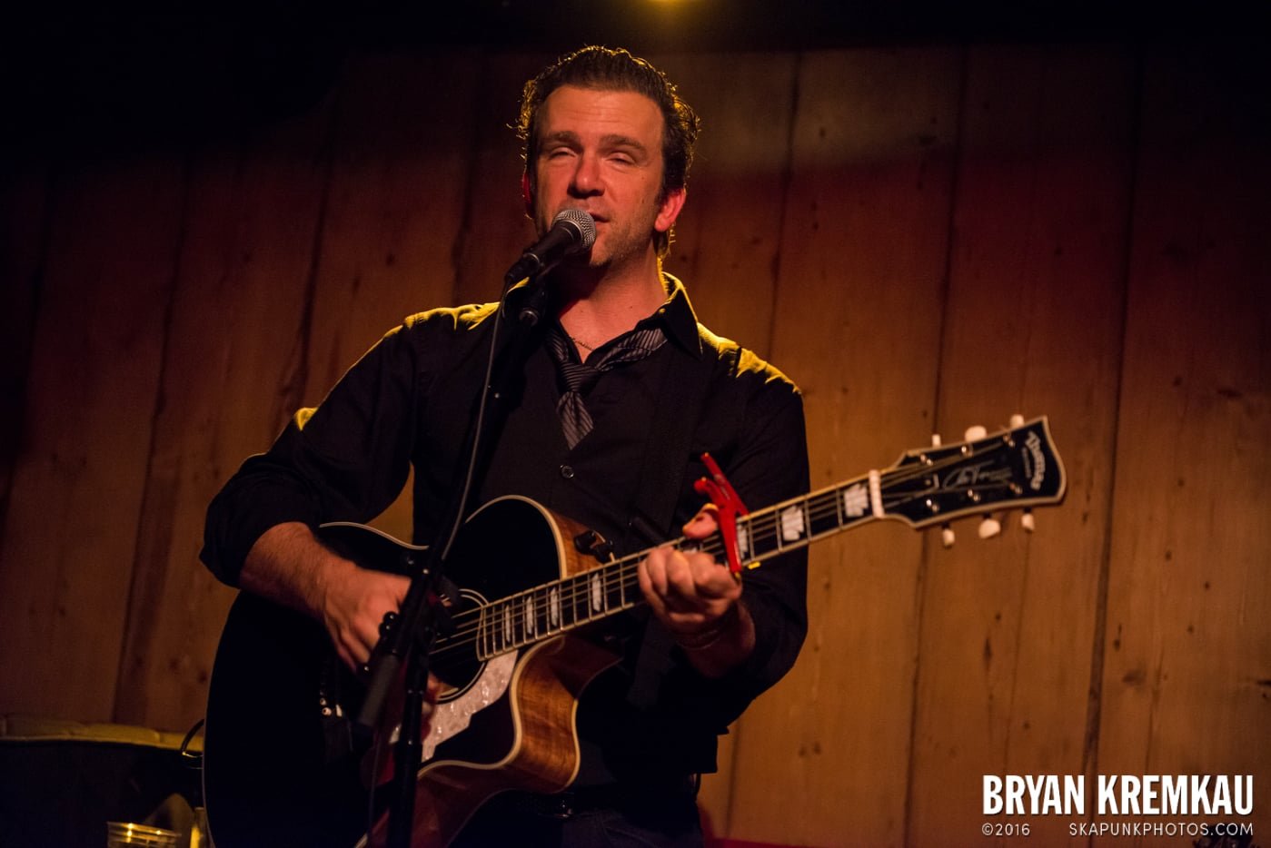 Chris Trapper @ Rockwood Music Hall, NYC - 12.7.13 (2)