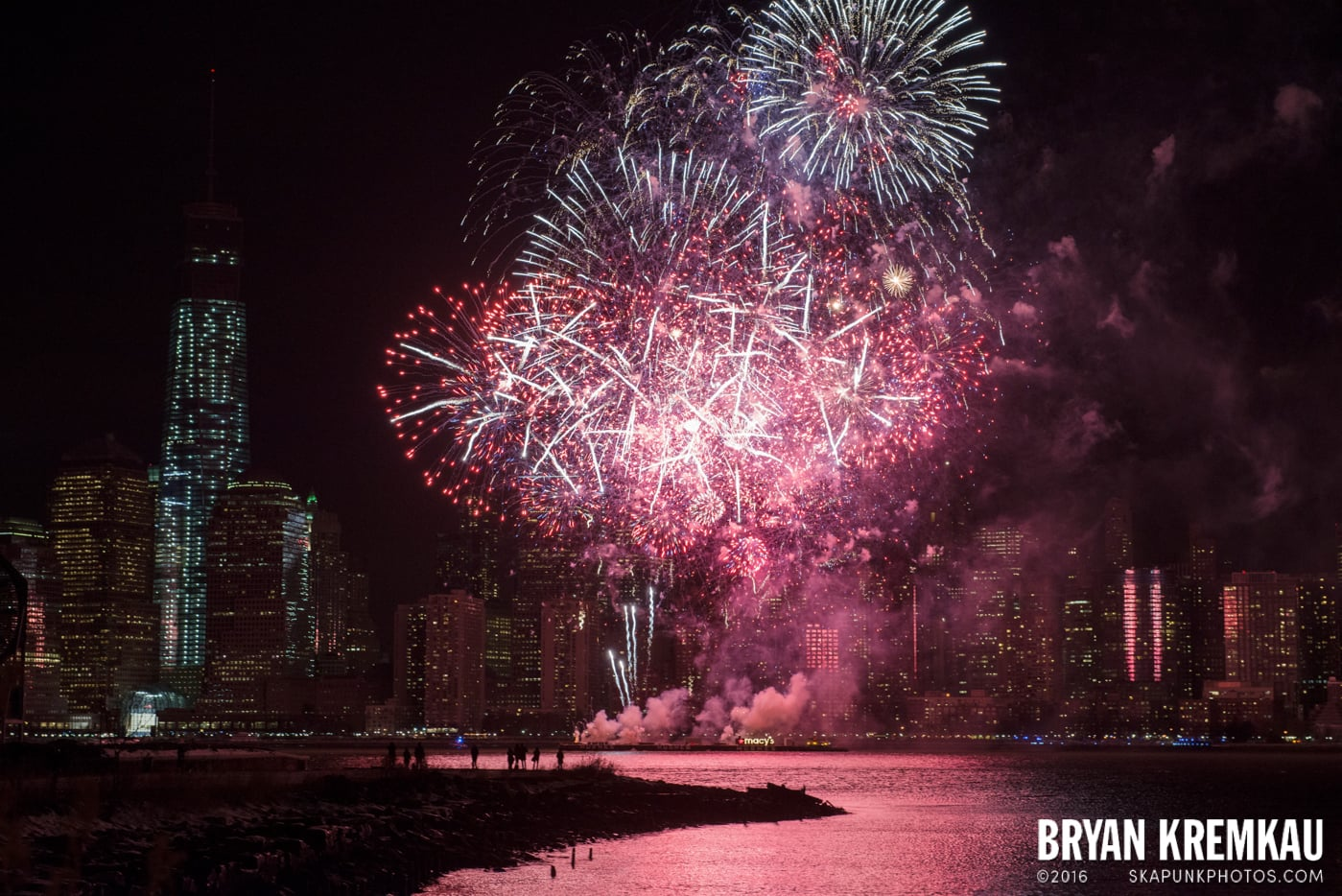 Fireworks at Super Bowl Kickoff Spectacular @ Liberty State Park, Jersey City, NJ - 1.27.14 (18)