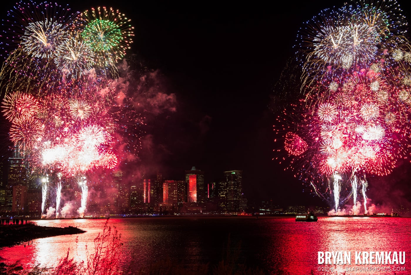 Fireworks at Super Bowl Kickoff Spectacular @ Liberty State Park, Jersey City, NJ - 1.27.14 (3)