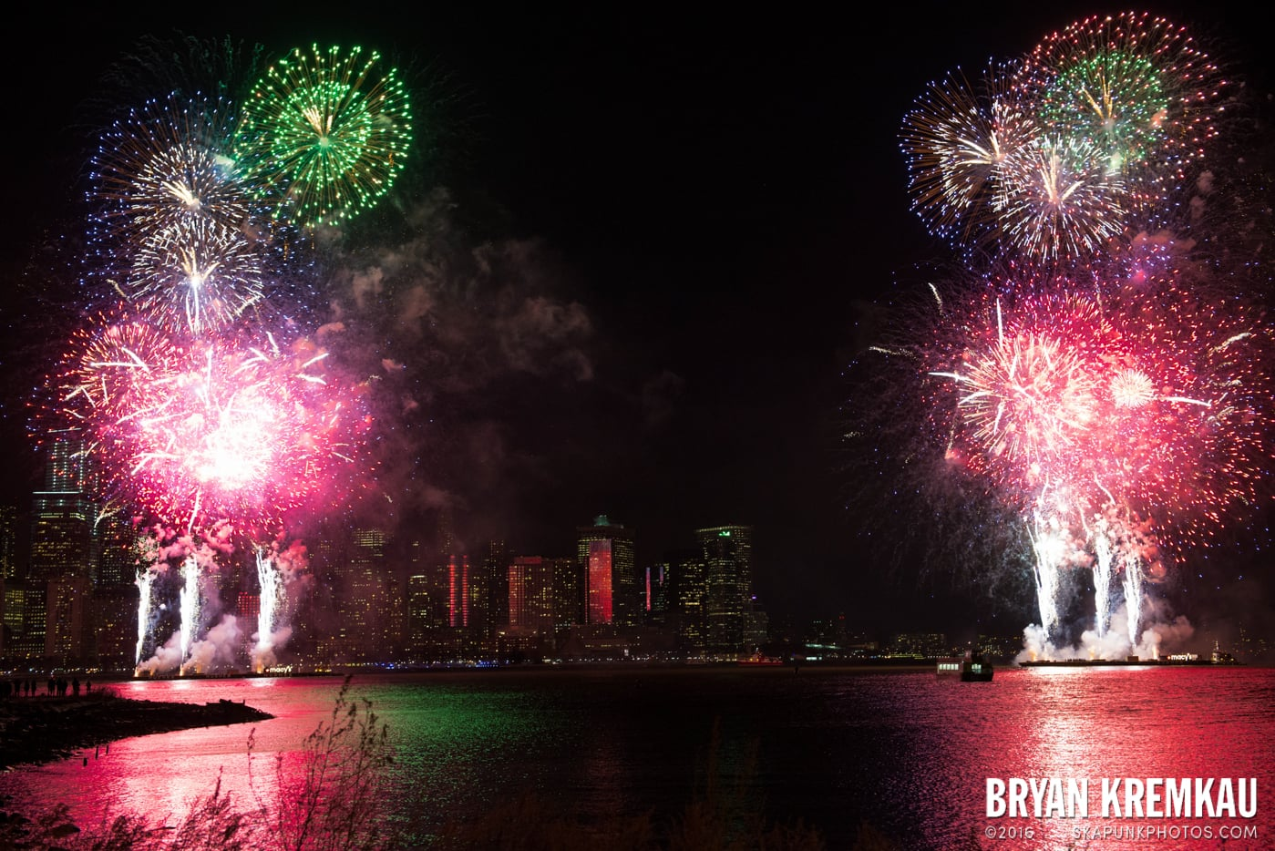Fireworks at Super Bowl Kickoff Spectacular @ Liberty State Park, Jersey City, NJ - 1.27.14 (2)