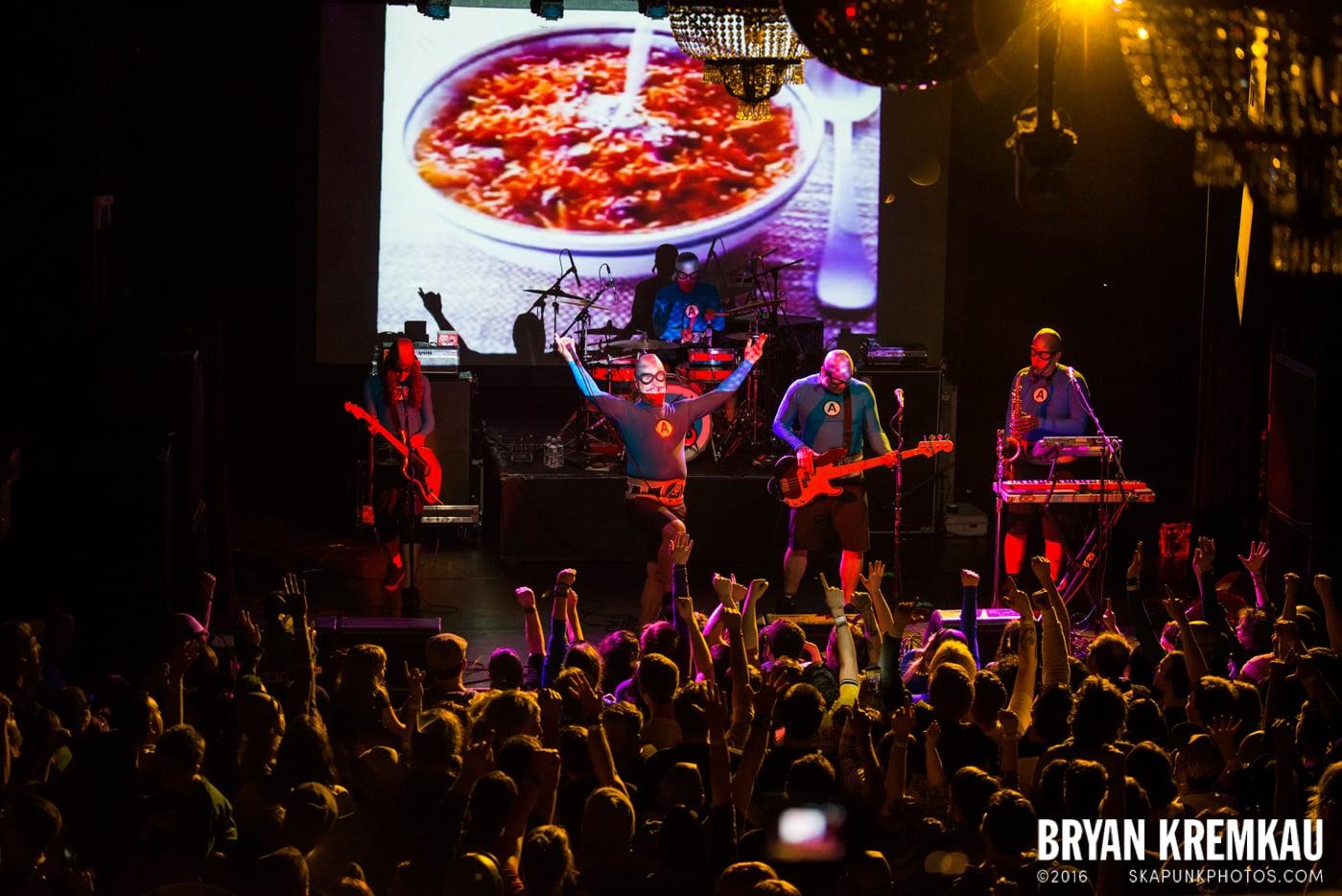 The Aquabats @ Irving Plaza, NYC - 5.7.14 (18)