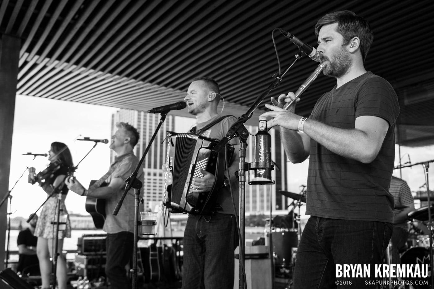 Gaelic Storm @ Watermark Bar, NYC - 6.26.14 (26)