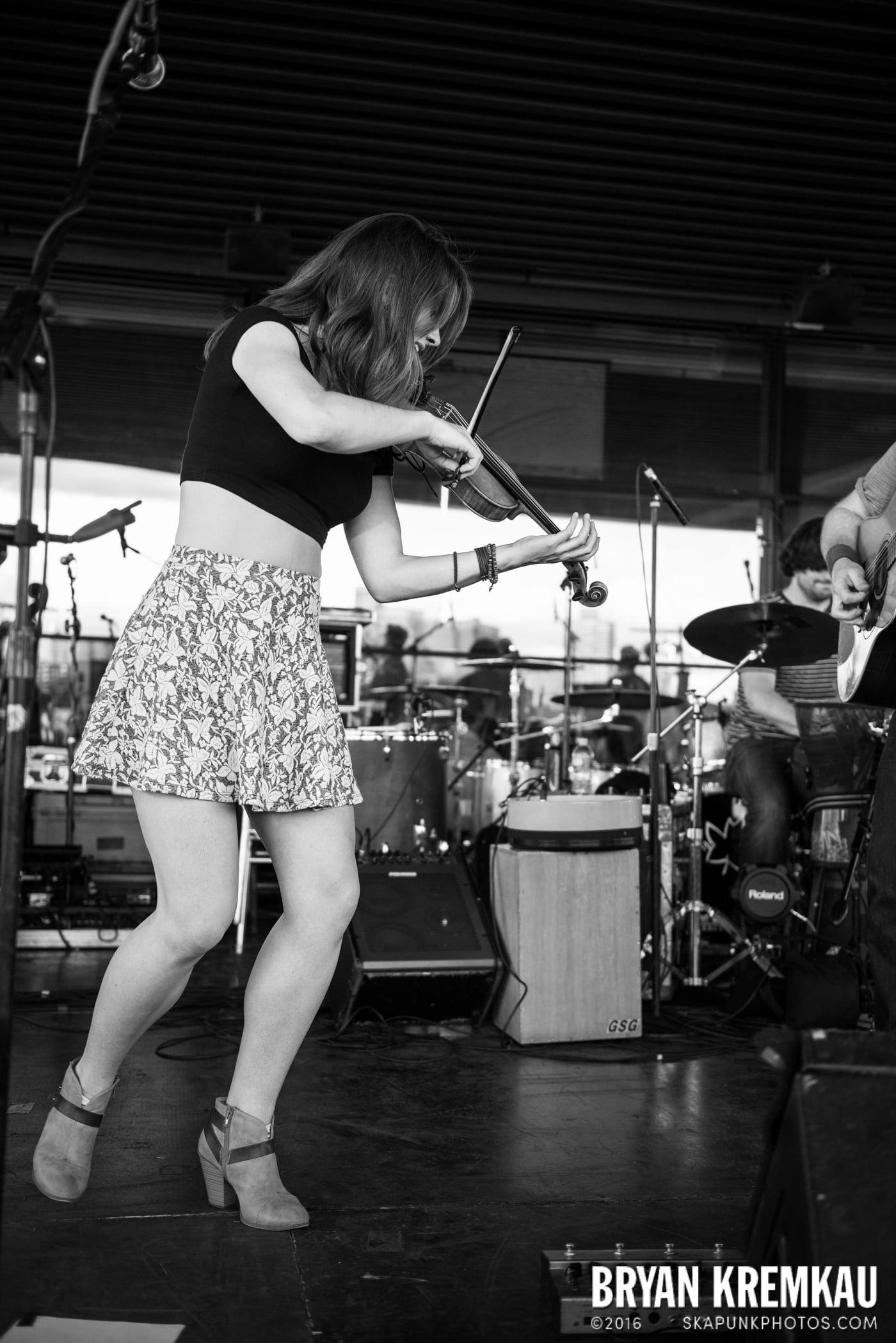 Gaelic Storm @ Watermark Bar, NYC - 6.26.14 (23)
