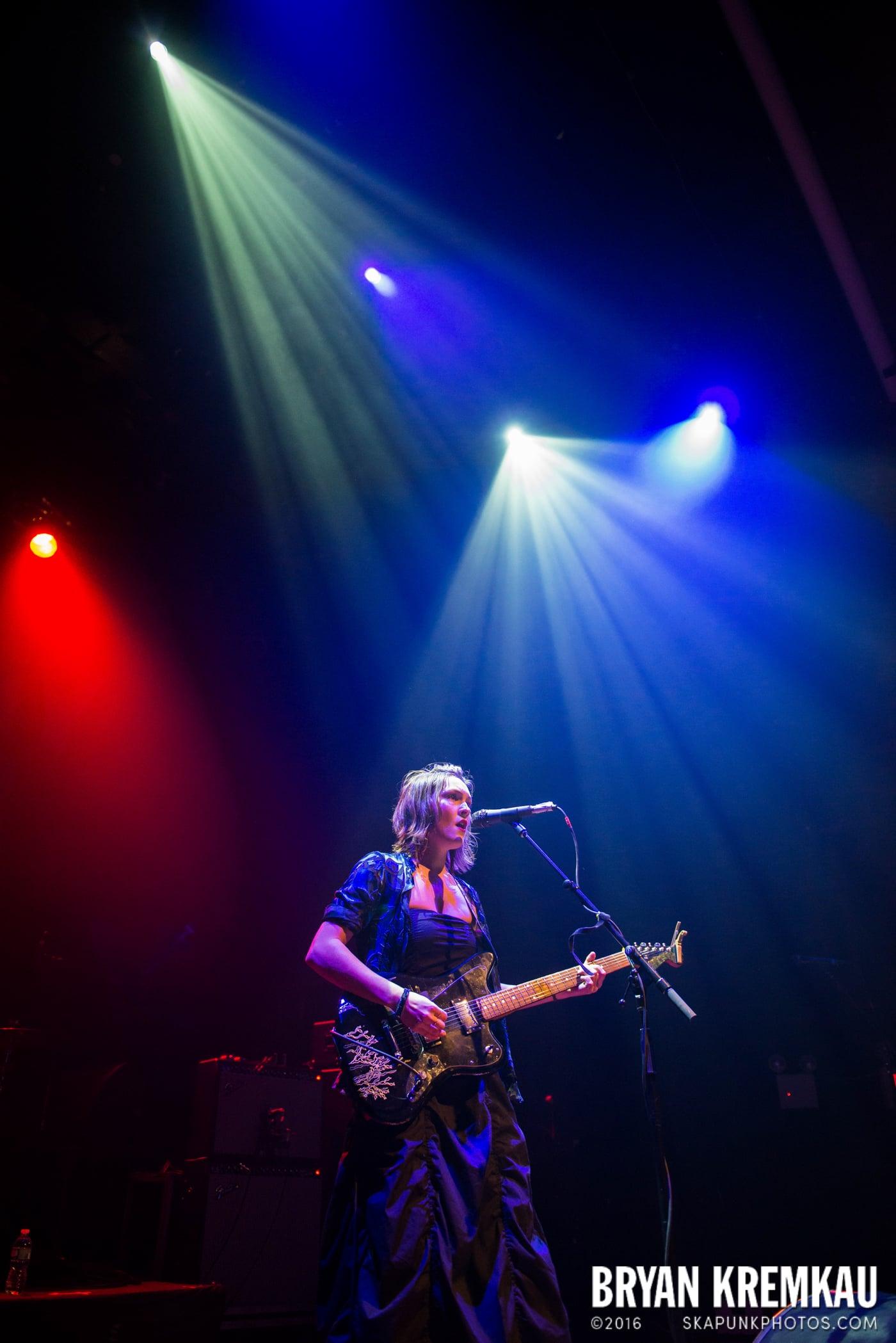 Meredith Sheldon @ Gramercy Theatre, NYC - 11.12.14 (10)