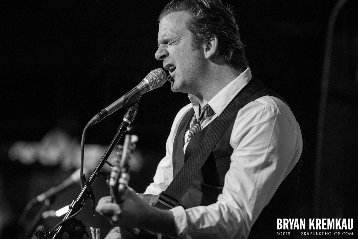 Chris Trapper @ The Bitter End, NYC - 12.5.14 (8)