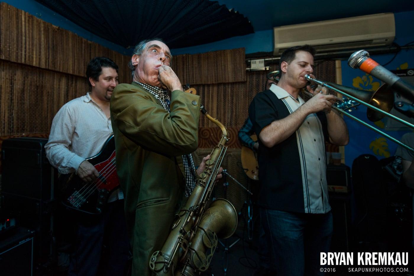 The Scofflaws @ Otto's Shrunken Head, NYC - 12.5.14 (17)
