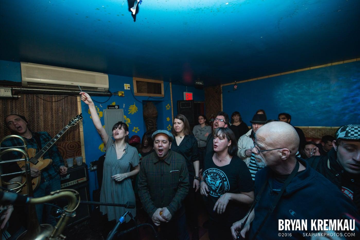 The Scofflaws @ Otto's Shrunken Head, NYC - 12.5.14 (4)