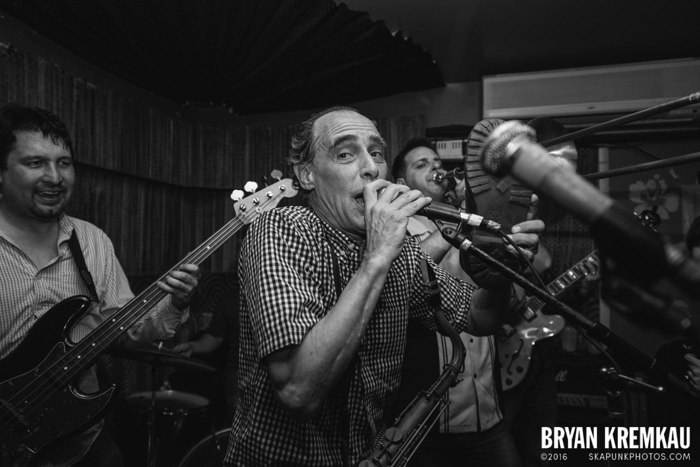 The Scofflaws @ Otto's Shrunken Head, NYC - 12.5.14 (3)