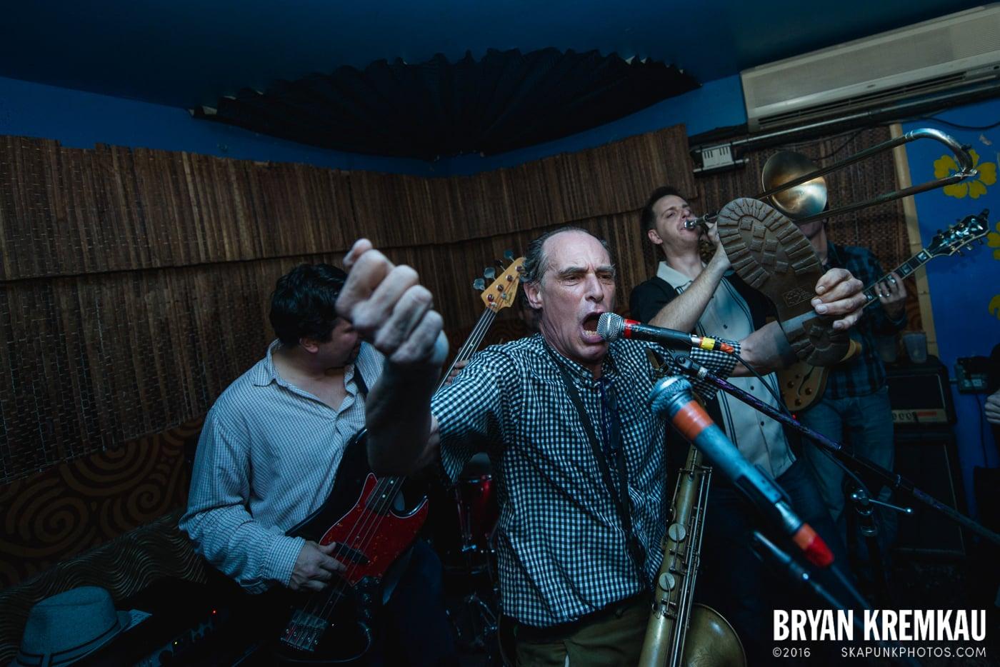 The Scofflaws @ Otto's Shrunken Head, NYC - 12.5.14 (2)