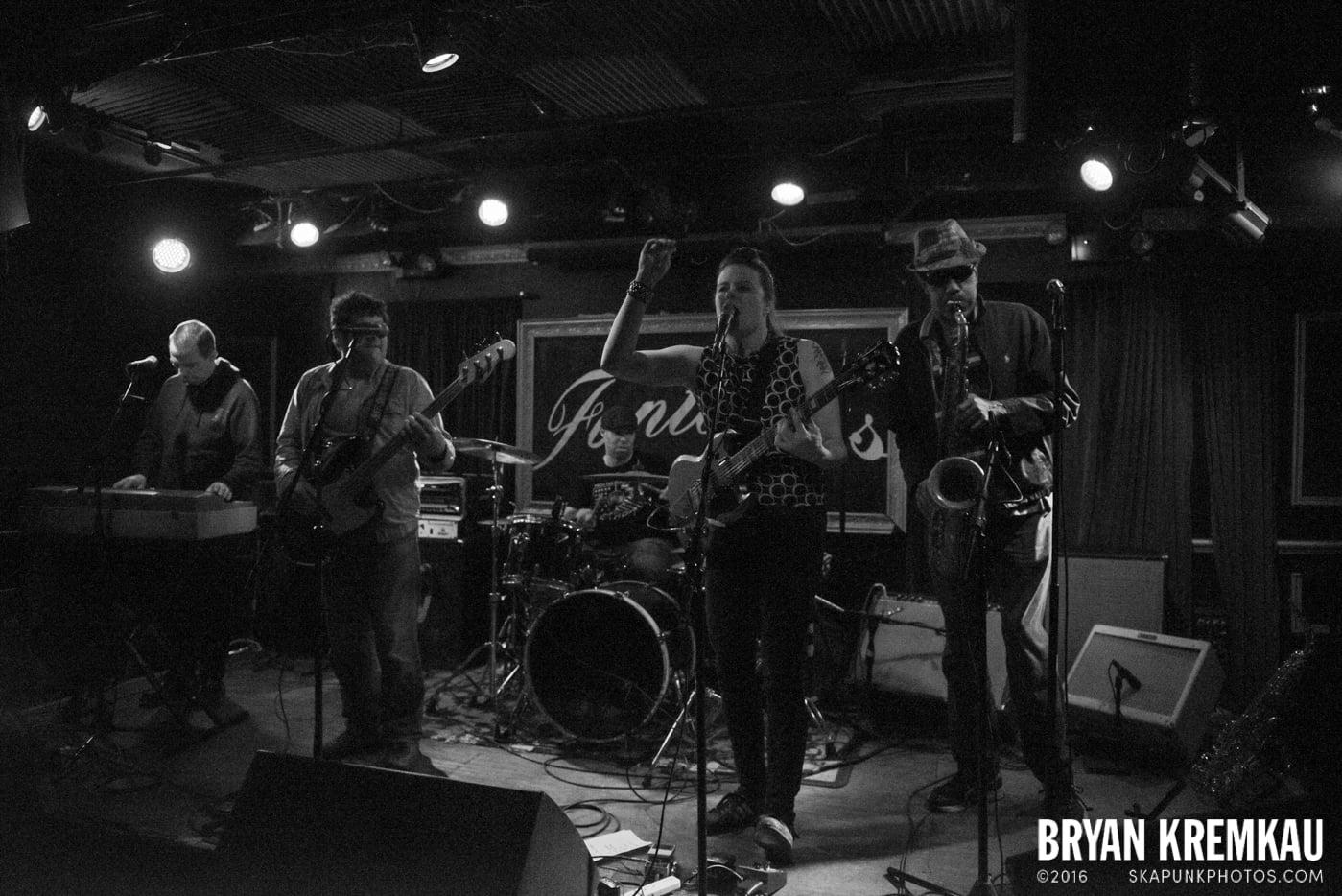 The Scotch Bonnets @ Fontana's, NYC - 4.25.15 (23)