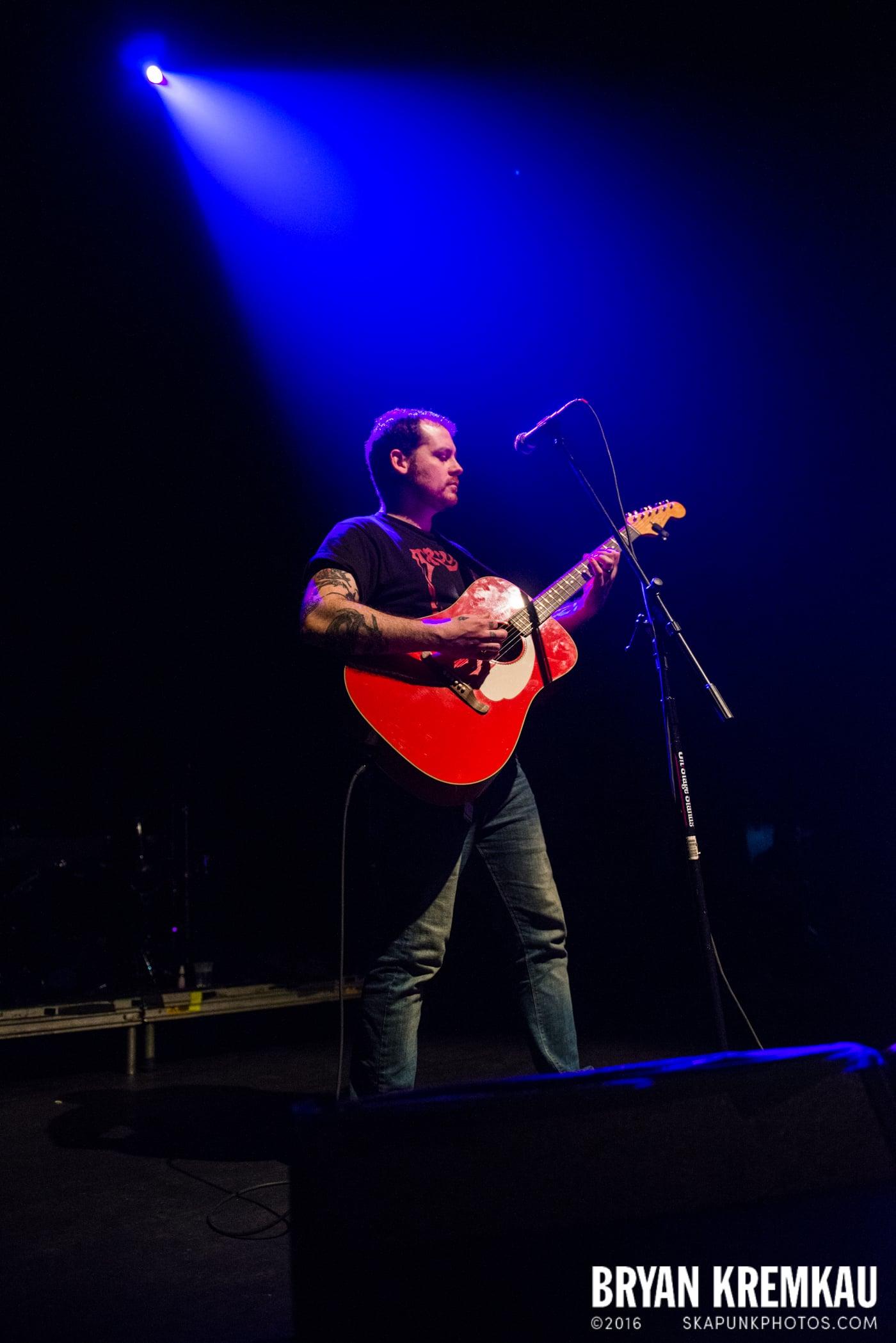 Derek Grant @ Gramercy Theatre, NYC - 4.10.15 (12)