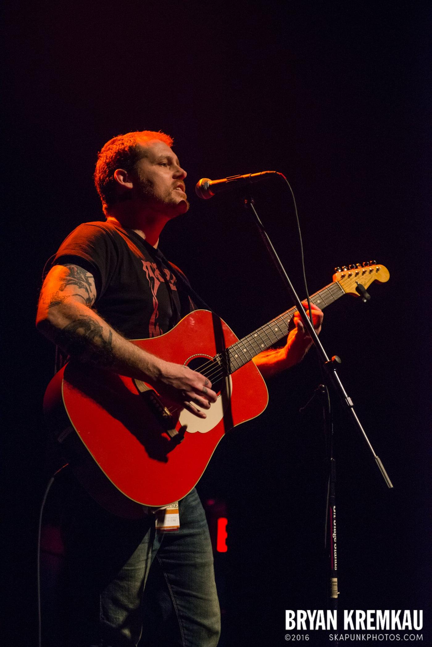 Derek Grant @ Gramercy Theatre, NYC - 4.10.15 (10)
