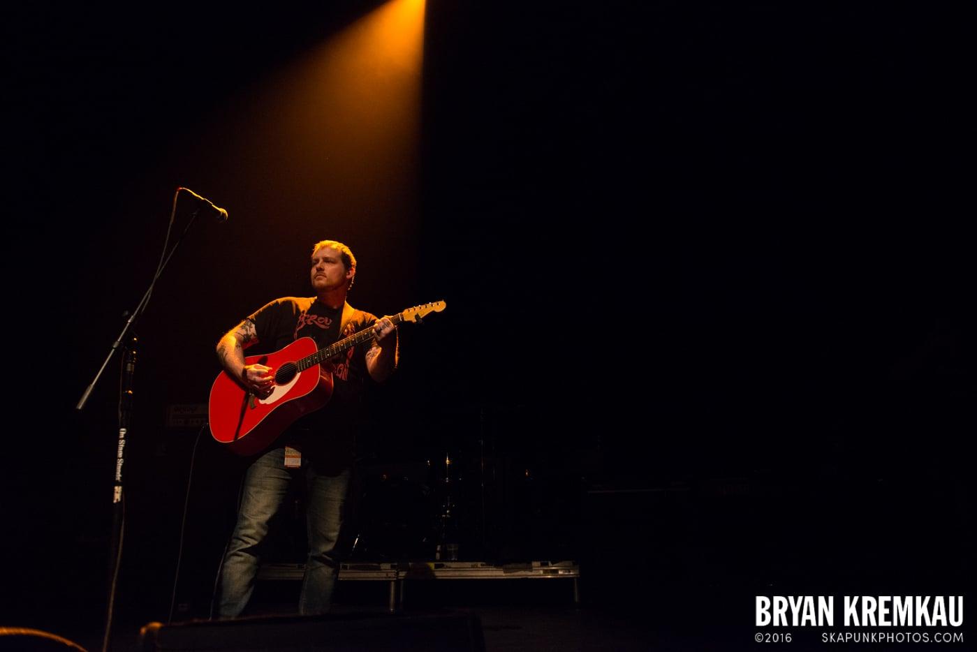 Derek Grant @ Gramercy Theatre, NYC - 4.10.15 (5)