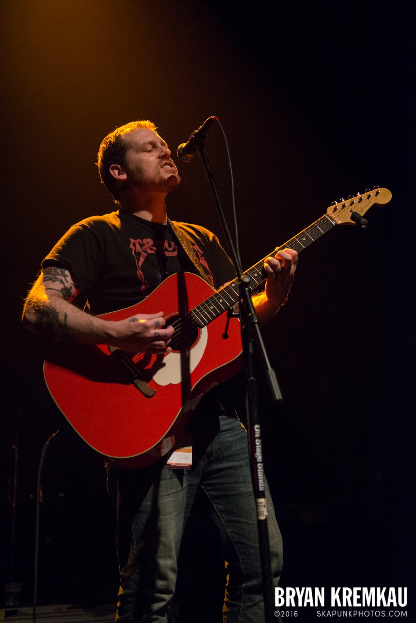 Derek Grant @ Gramercy Theatre, NYC - 4.10.15 (3)