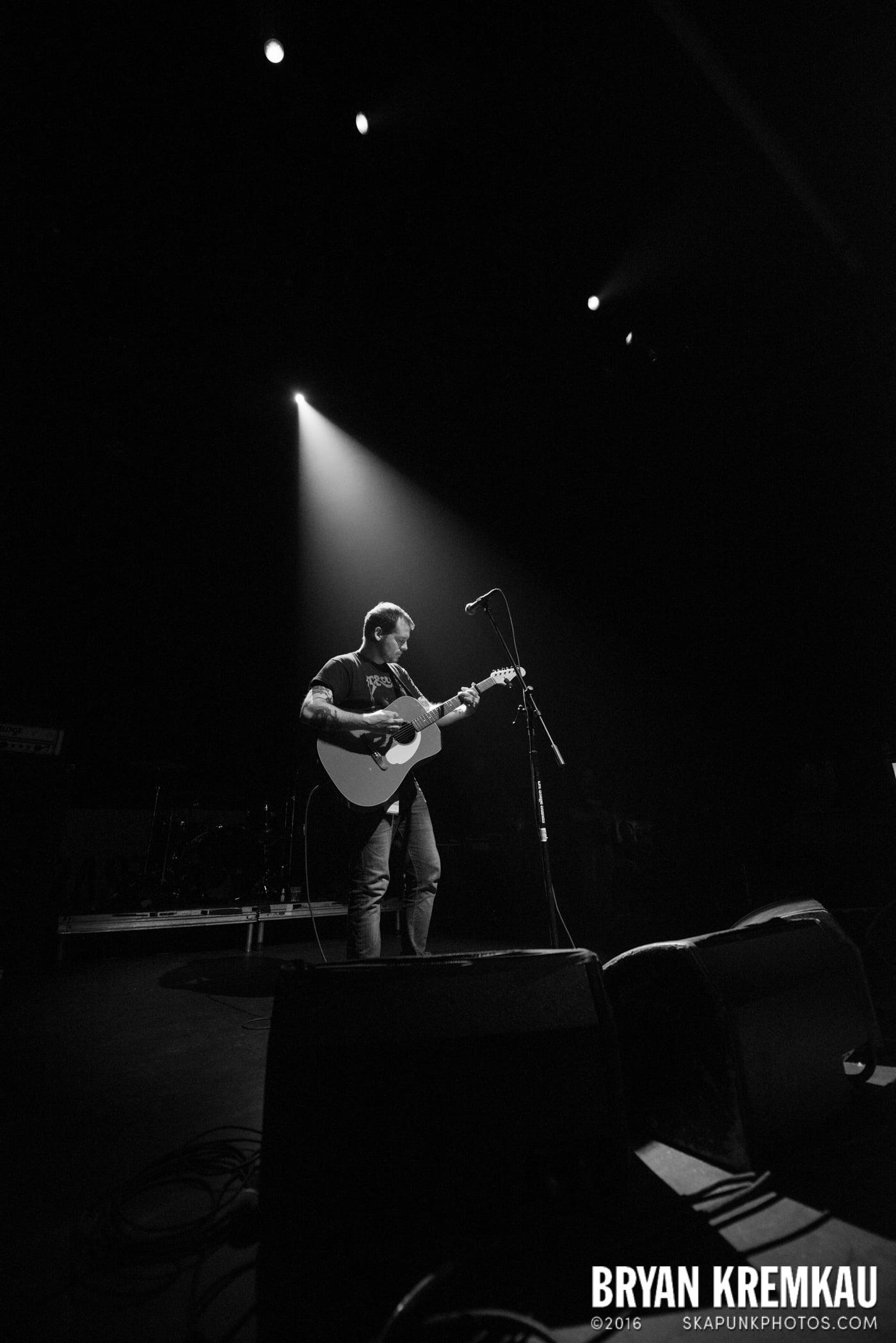 Derek Grant @ Gramercy Theatre, NYC - 4.10.15 (2)