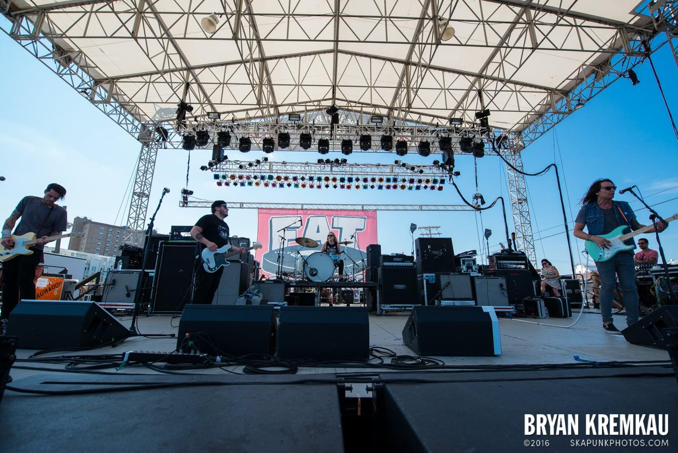 toyGuitar @ Stone Pony Summer Stage, Asbury Park, NJ - 8.15.15 (3)