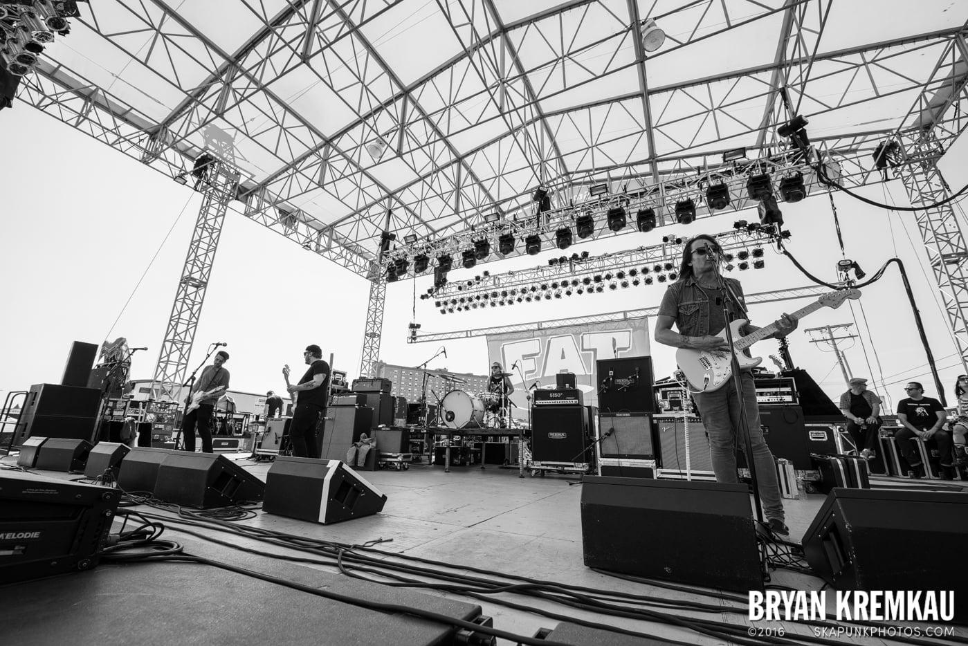 toyGuitar @ Stone Pony Summer Stage, Asbury Park, NJ - 8.15.15 (2)