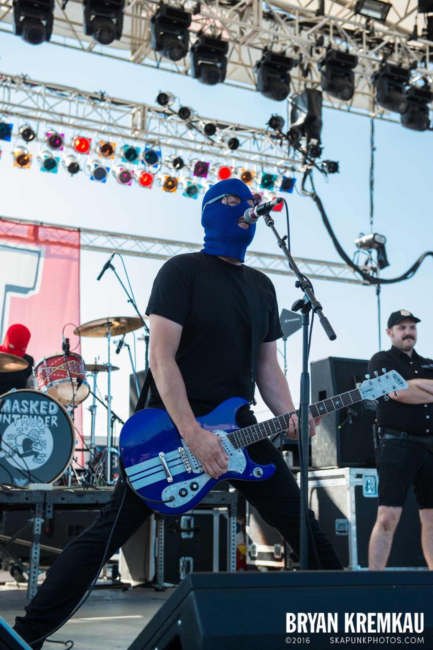 Masked Intruder @ Stone Pony Summer Stage, Asbury Park, NJ - 8.15.15 (22)