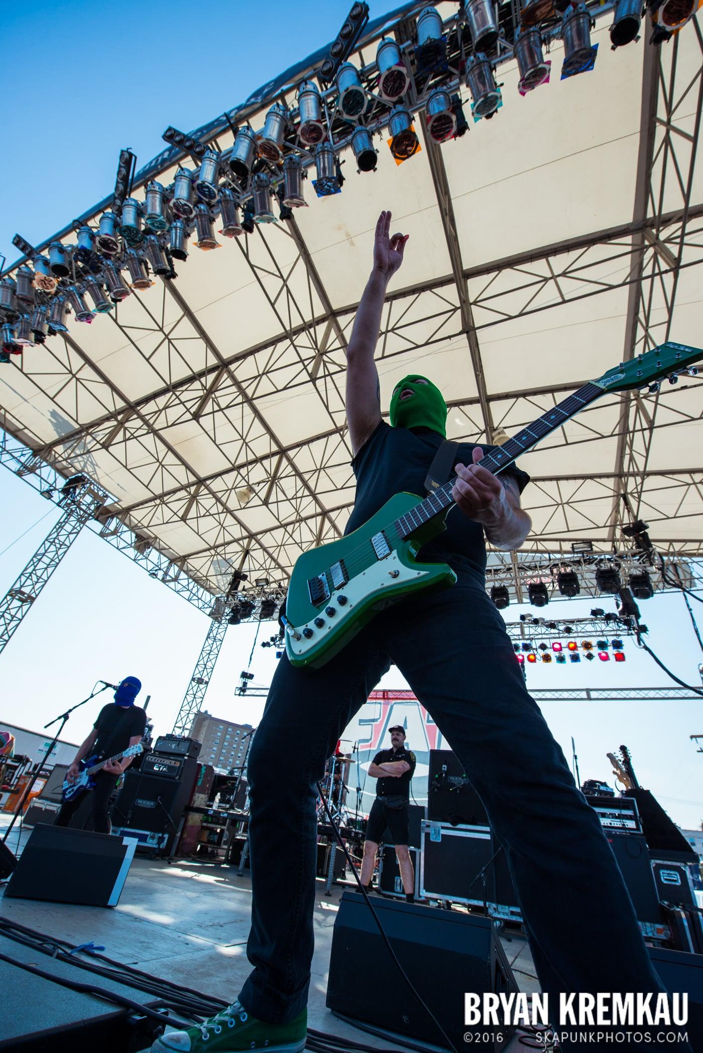Masked Intruder @ Stone Pony Summer Stage, Asbury Park, NJ - 8.15.15 (8)