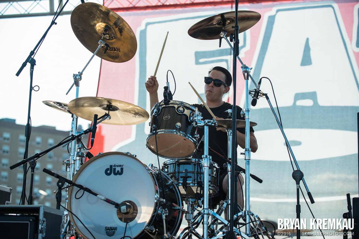 The Flatliners @ Stone Pony Summer Stage, Asbury Park, NJ - 8.15.15 (15)