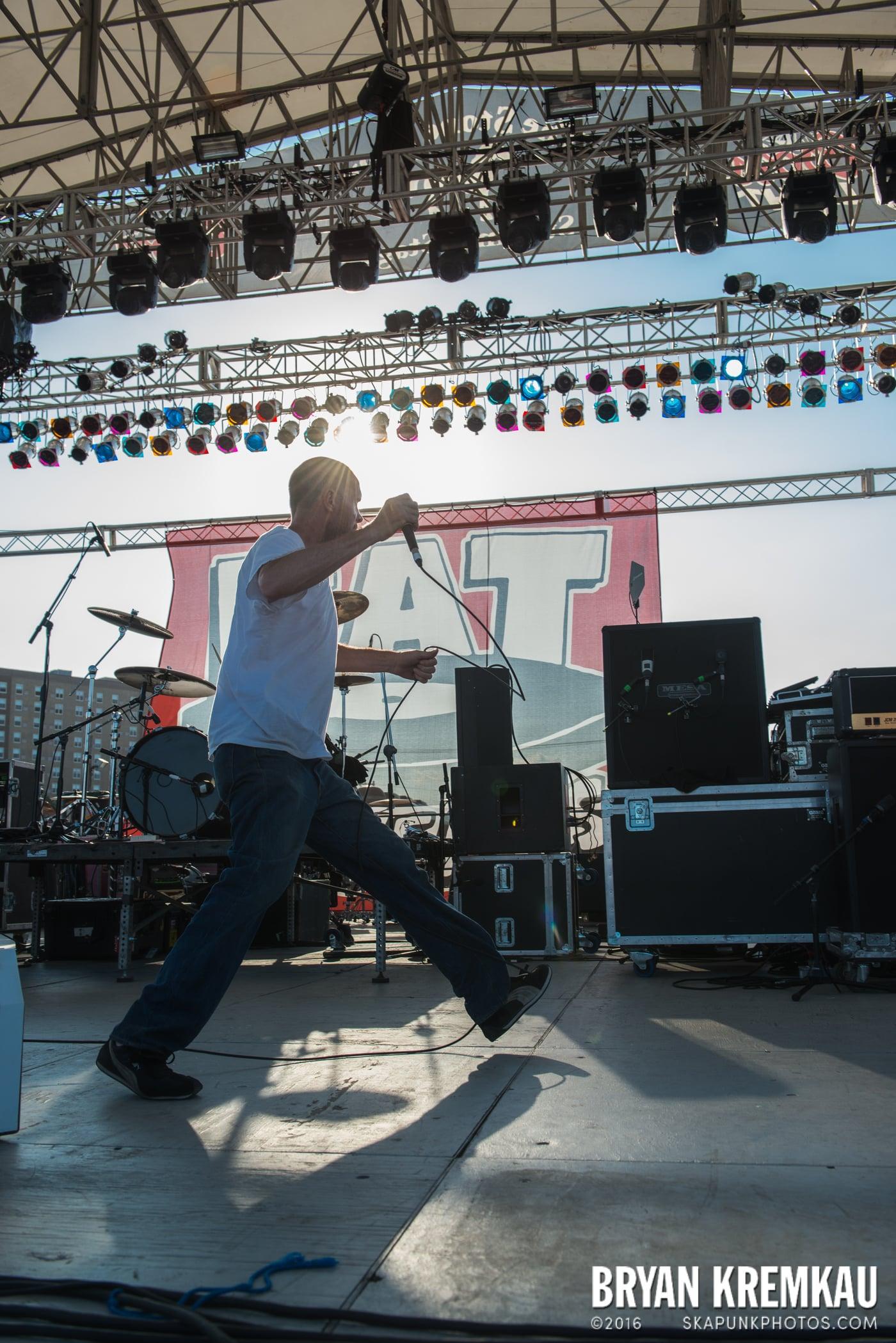 Swingin' Utters @ Stone Pony Summer Stage, Asbury Park, NJ - 8.15.15 (35)