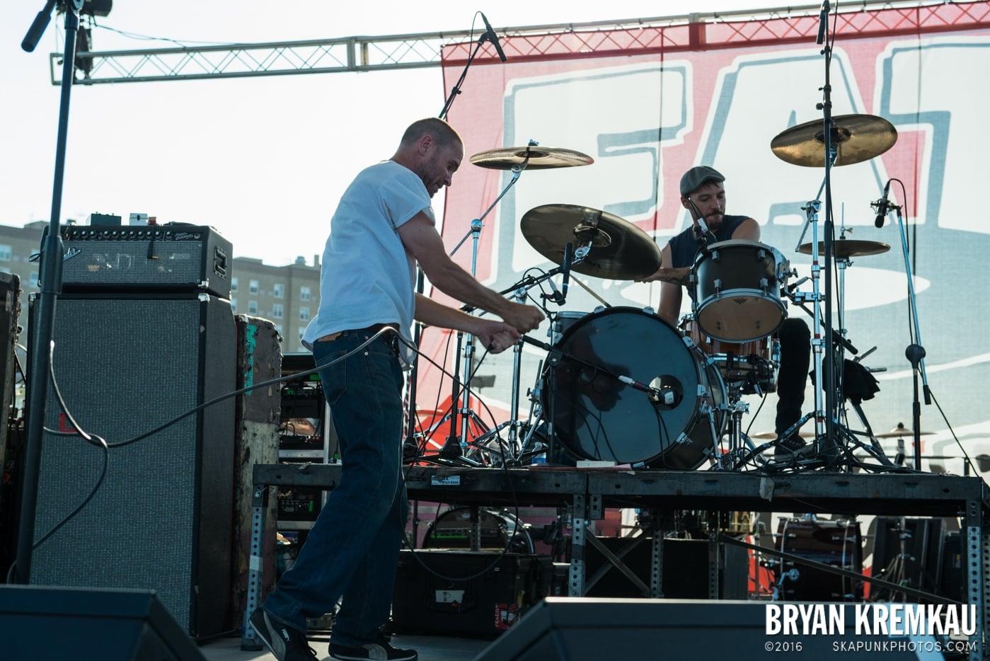 Swingin' Utters @ Stone Pony Summer Stage, Asbury Park, NJ - 8.15.15 (33)