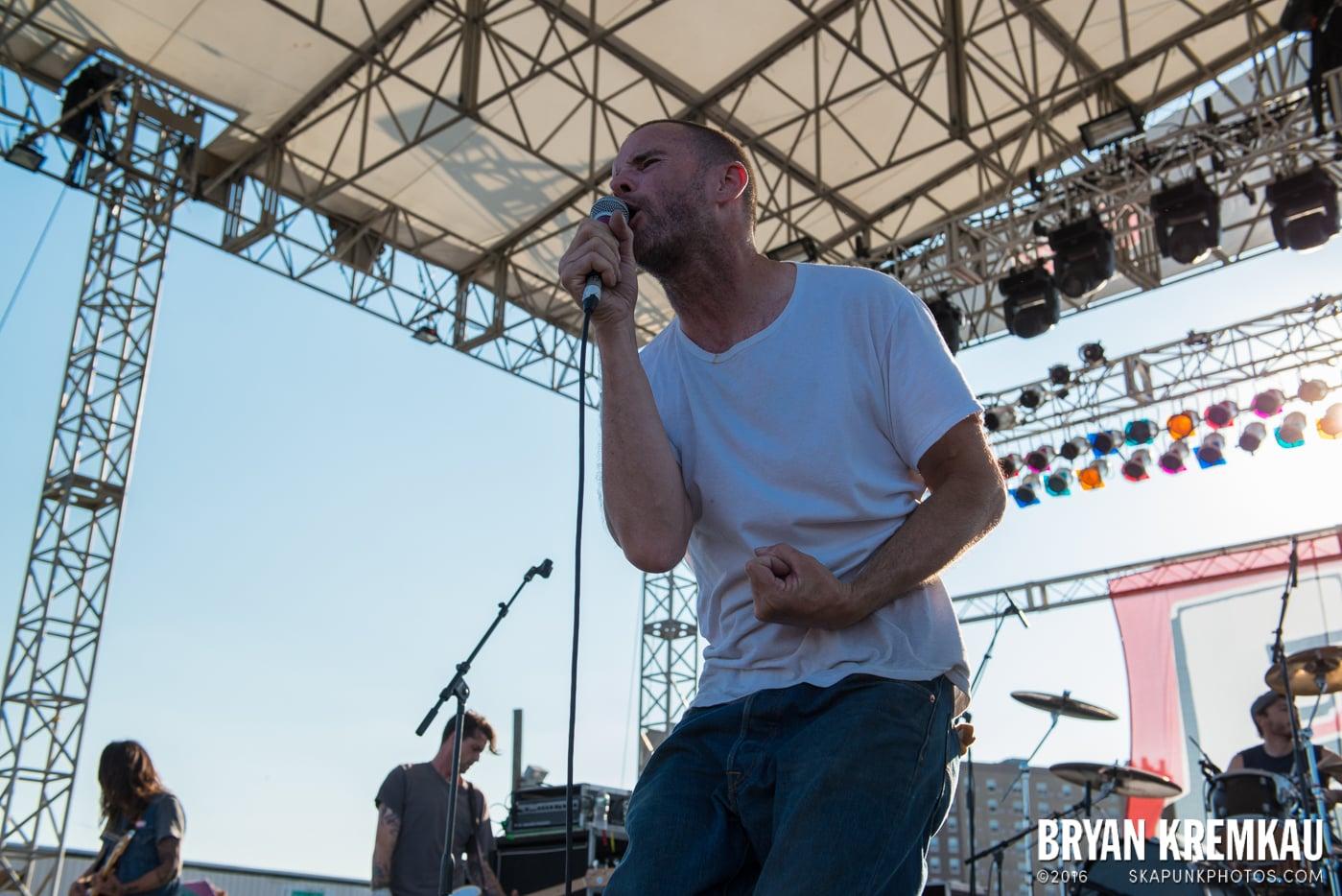 Swingin' Utters @ Stone Pony Summer Stage, Asbury Park, NJ - 8.15.15 (30)