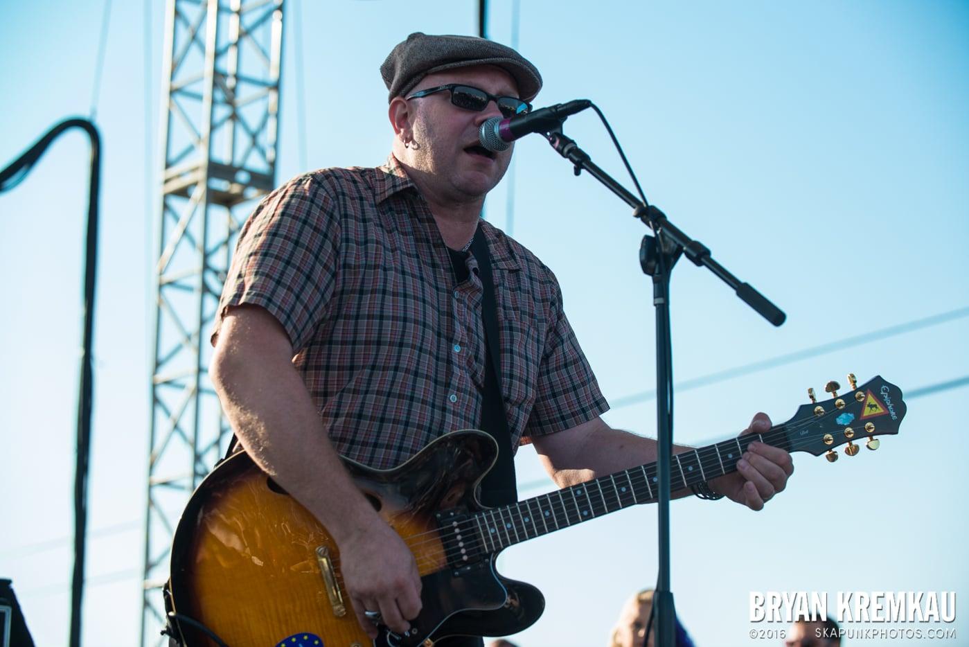 Swingin' Utters @ Stone Pony Summer Stage, Asbury Park, NJ - 8.15.15 (21)