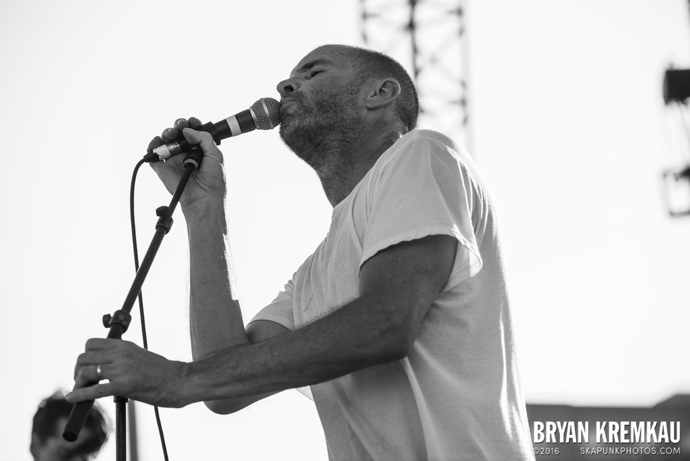 Swingin' Utters @ Stone Pony Summer Stage, Asbury Park, NJ - 8.15.15 (19)