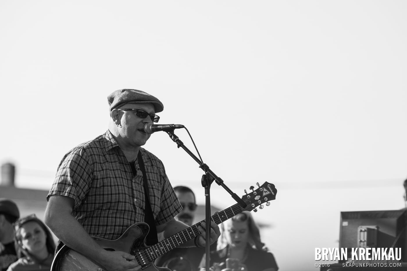 Swingin' Utters @ Stone Pony Summer Stage, Asbury Park, NJ - 8.15.15 (11)