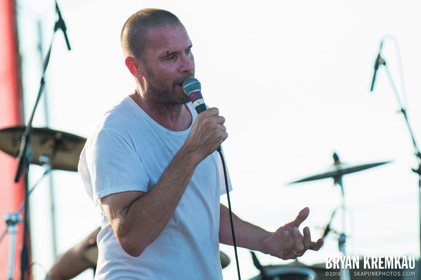 Swingin' Utters @ Stone Pony Summer Stage, Asbury Park, NJ - 8.15.15 (8)