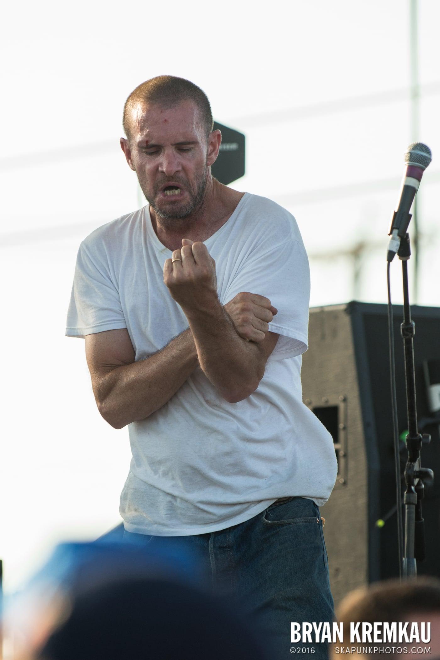 Swingin' Utters @ Stone Pony Summer Stage, Asbury Park, NJ - 8.15.15 (4)