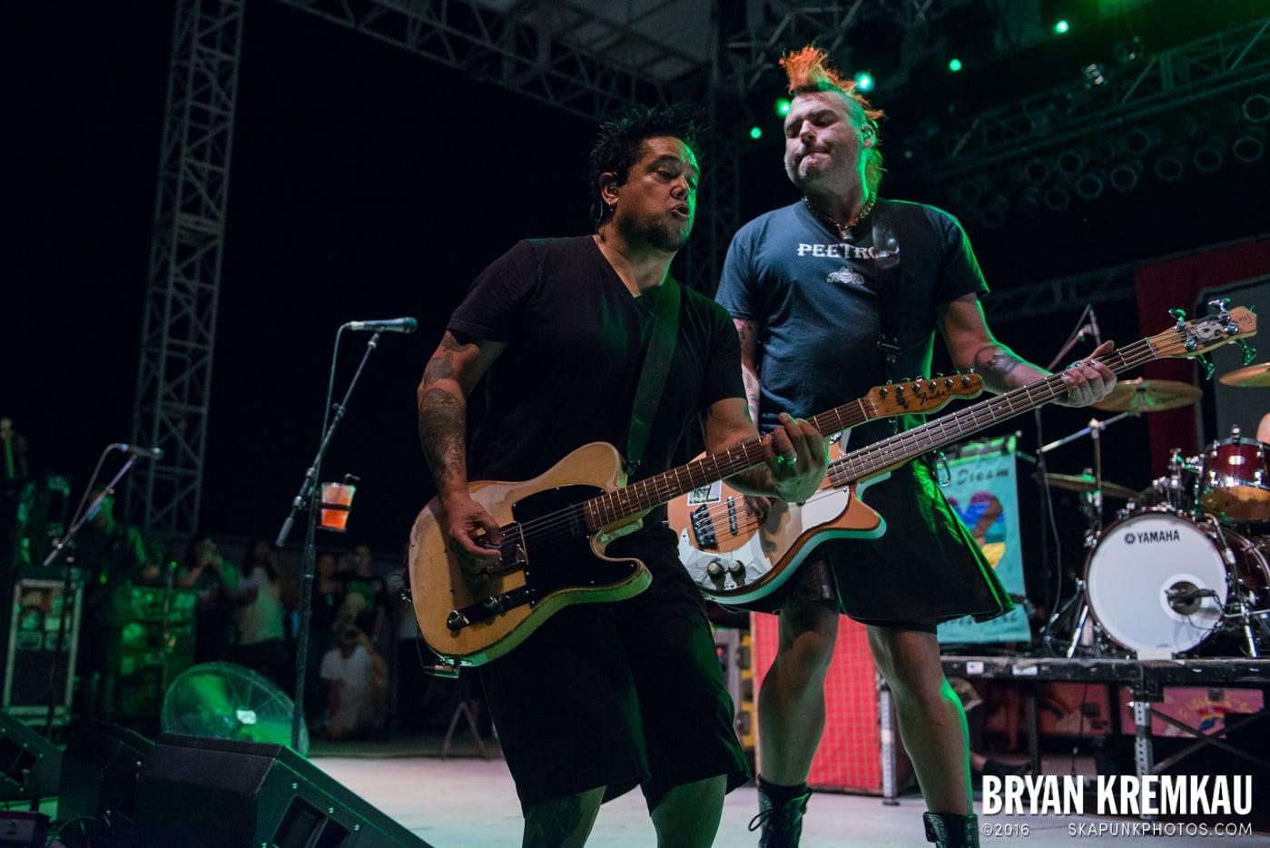 NOFX @ Stone Pony Summer Stage, Asbury Park, NJ - 8.15.15 (19)