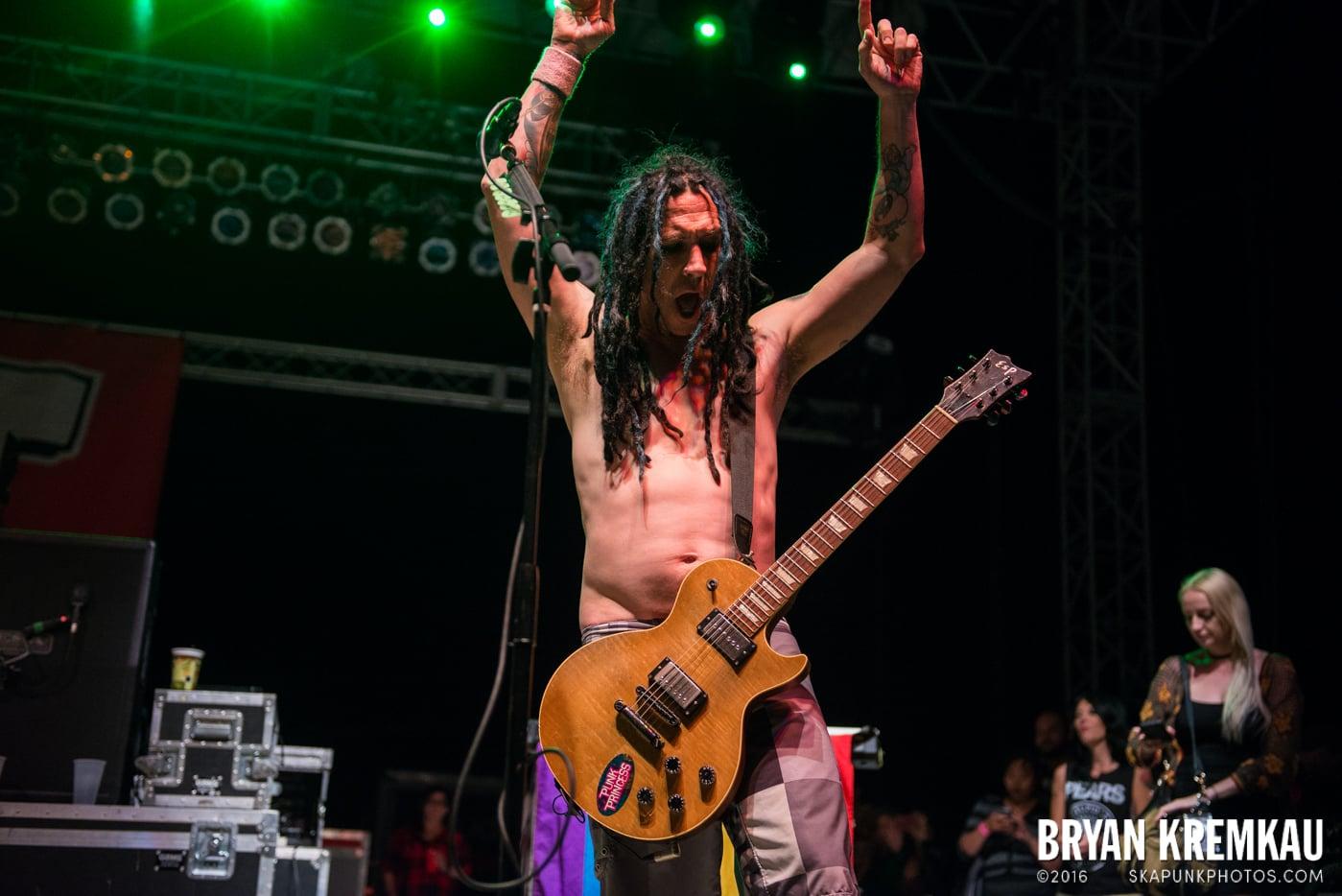NOFX @ Stone Pony Summer Stage, Asbury Park, NJ - 8.15.15 (17)