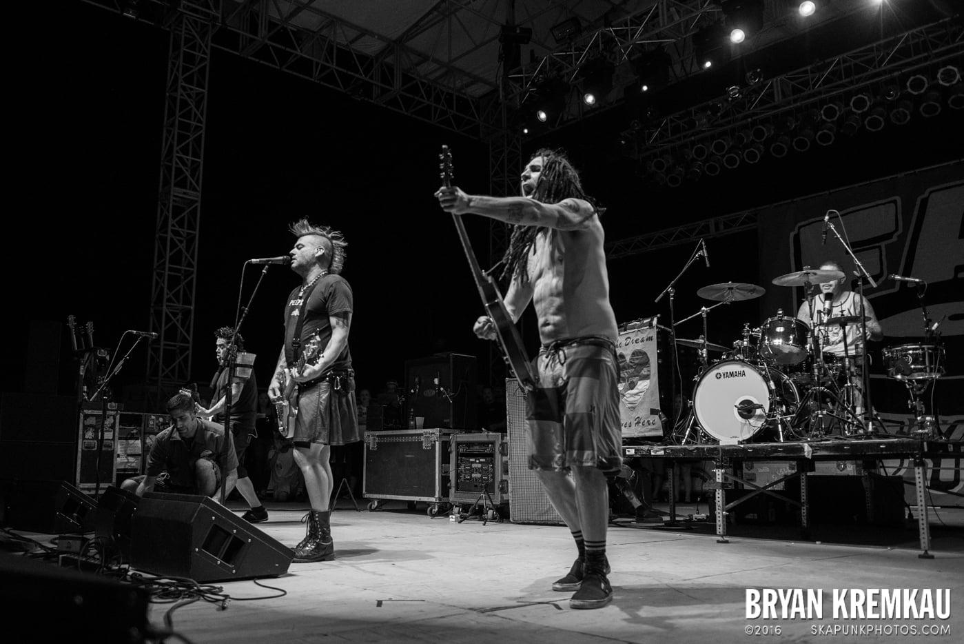 NOFX @ Stone Pony Summer Stage, Asbury Park, NJ - 8.15.15 (16)