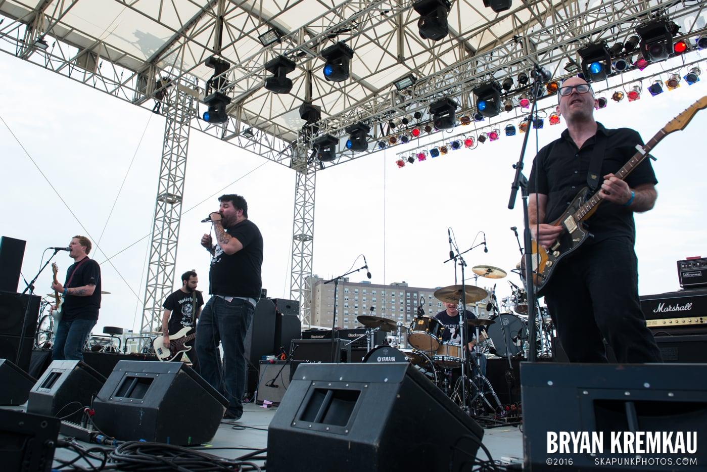Iron Chic @ Punk Rock Bowling, Stone Pony Summerstage, Asbury Park, NJ - 6.11.16 (13)