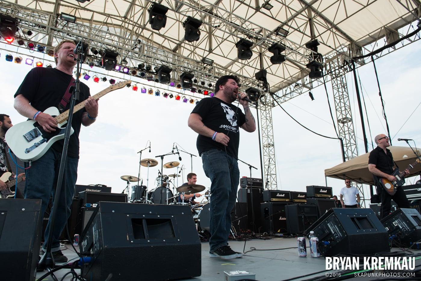 Iron Chic @ Punk Rock Bowling, Stone Pony Summerstage, Asbury Park, NJ - 6.11.16 (8)